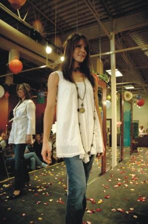 beau_monde_salon_fashion_show_2006-5